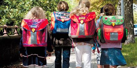 Kurze Beine - kurze Wege: für den Erhalt unserer ländlichen Grundschulen! F: Volker06 / CC BY-SA3.0